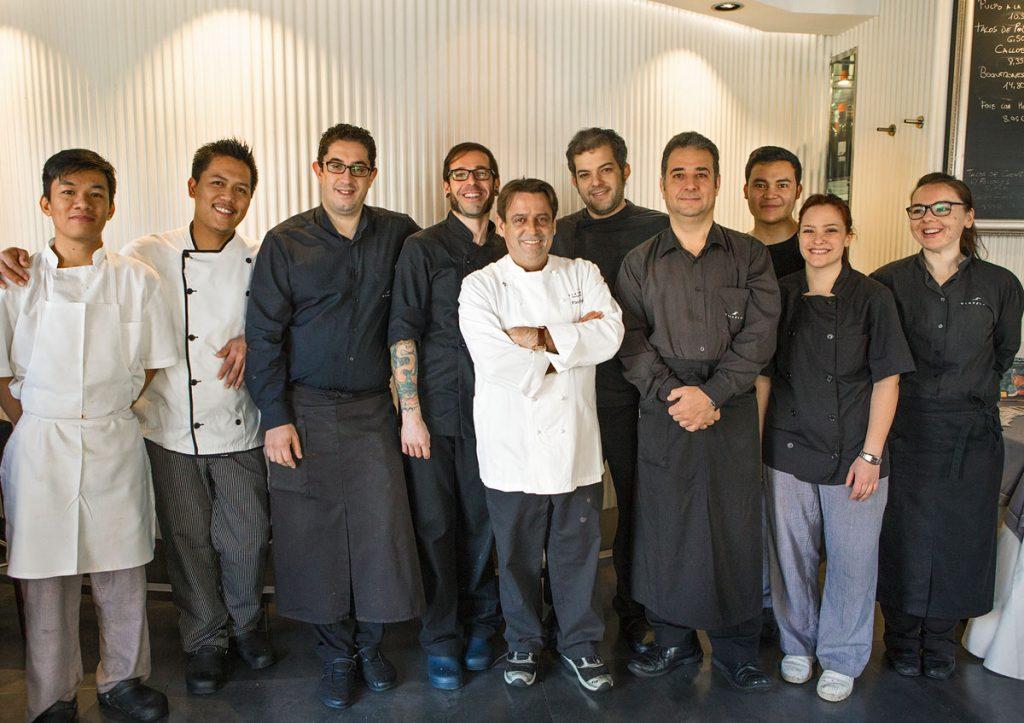 El equipo del restaurante Viavélez al completo